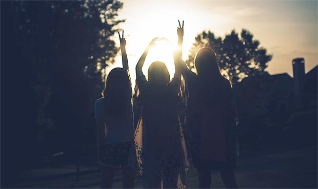 3-women-sunset_lighter